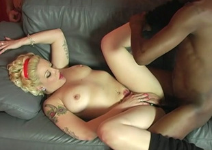 Unfaithful hoe tries to have as much sex as possible and she loves it big