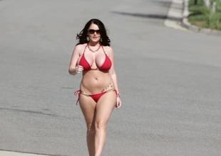Huge tits bikini babes flaunt their mambos in public