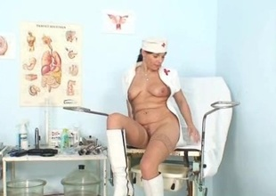 Amateur milf nurse naughty pussy stretching on gynochair