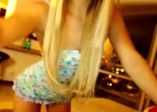 lili_jones dilettante record 07/04/15 on 02:49 from MyFreecams