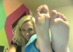 cam girls feet