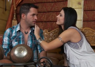 Raven haired beauty  India Summer makes a romantic scene with her lover. That babe is giving a kiss her man and is then having her muff fingered. That babe is really in the mood to make love.