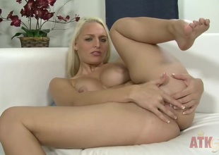 Blond woman Macy Cartel cant live a day without playing with her snatch