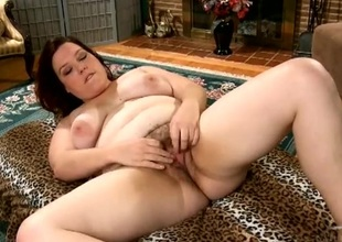 Fat hairy pussy vibrated by her little toy